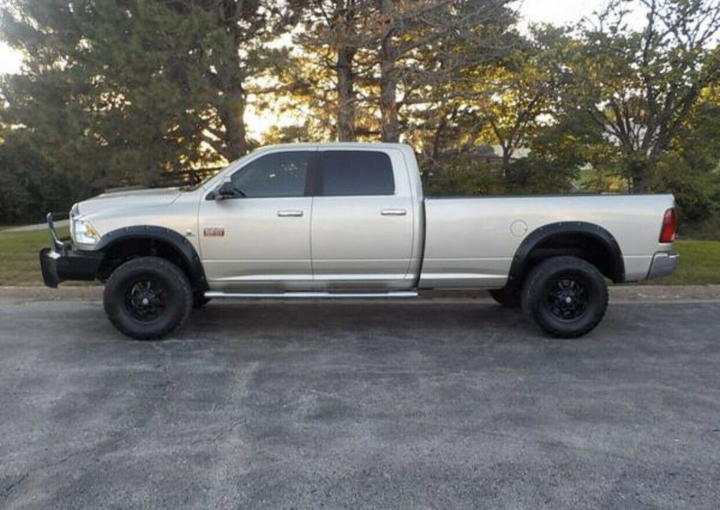 loaded 2010 Dodge Ram 3500 SLT crew cab