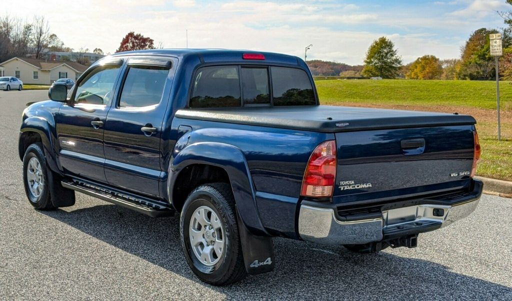 well maintained 2006 Toyota Tacoma crew cab