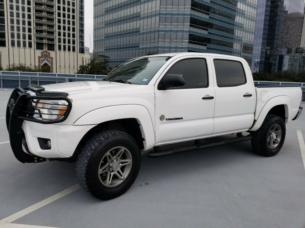 well maintained 2012 Toyota Tacoma SR5 crew cab