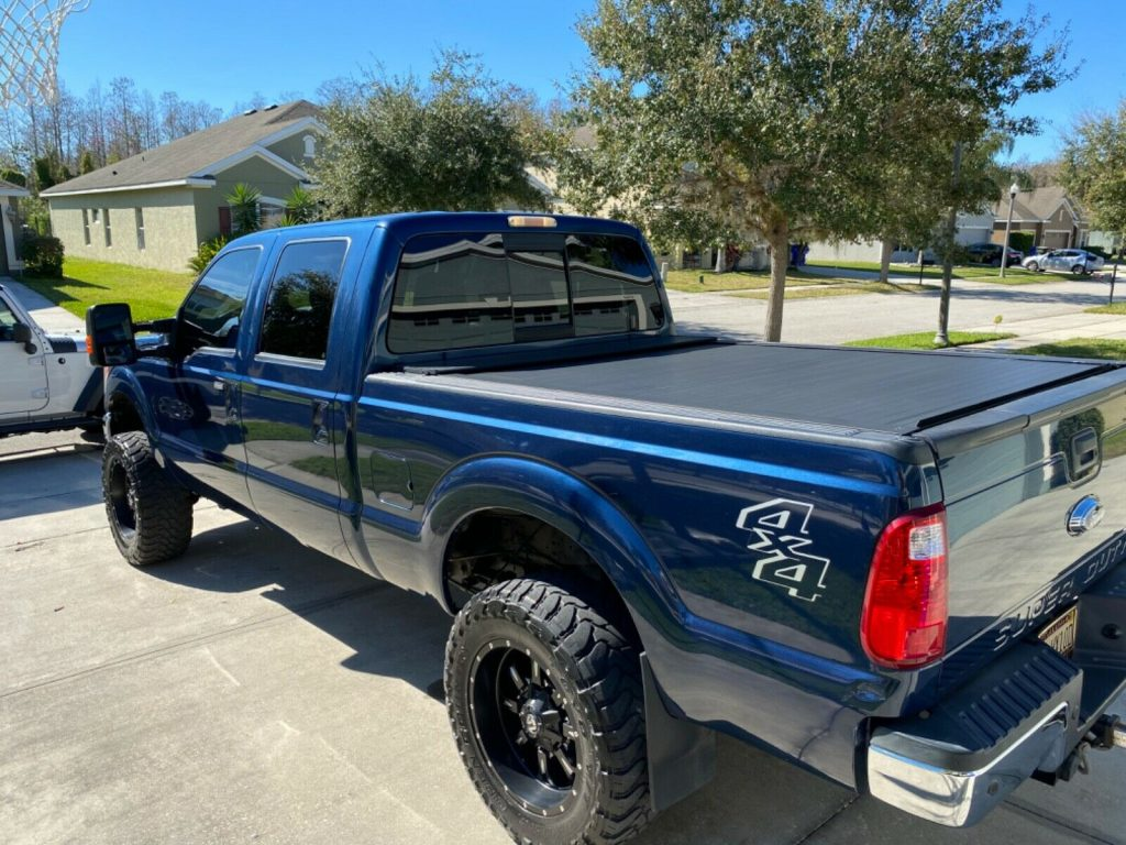well optioned 2013 Ford F 250 Super DUTY crew cab