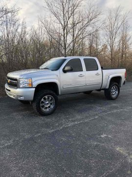 great shape 2011 Chevrolet Silverado 1500 K1500 LT crew cab for sale