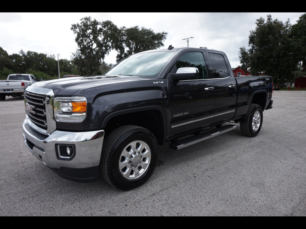 very clean 2015 GMC Sierra 2500 SLT crew Cab