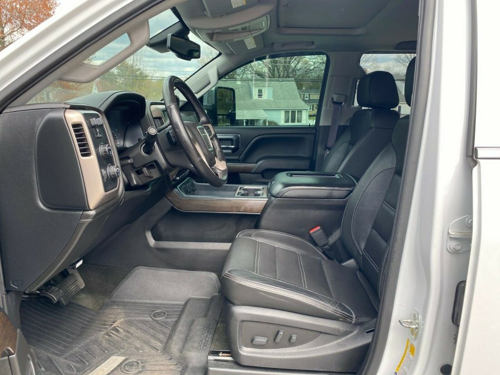 loaded 2017 GMC Sierra 2500 Denali crew cab