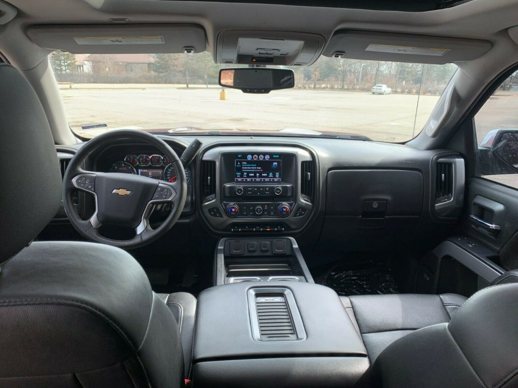 loaded with goodies 2016 Chevrolet Silverado 1500 LTZ crew cab