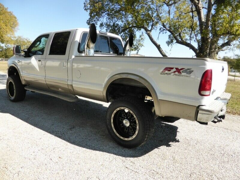 very nice 2006 Ford F 350 Crew Cab 172 King Ranch crew cab