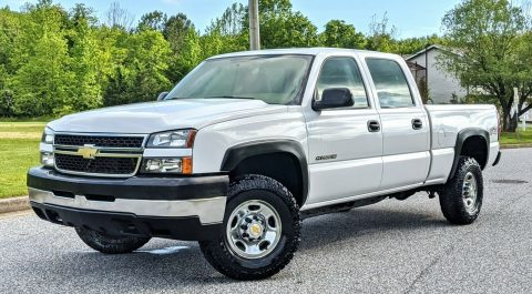 low miles 2006 Chevrolet Silverado 2500 crew cab for sale