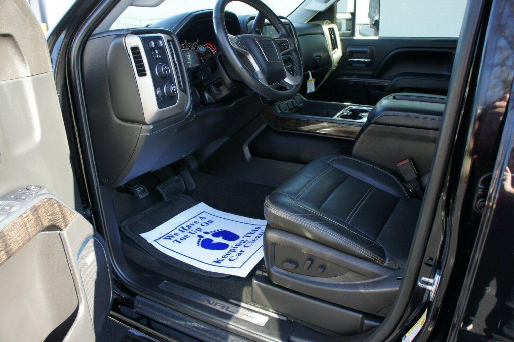 well equipped 2015 GMC Sierra 3500 DENALI crew cab