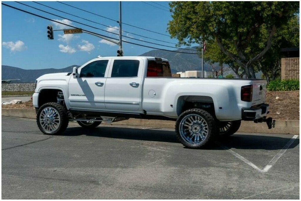 well modified 2016 GMC Sierra K3500 DENALI crew cab
